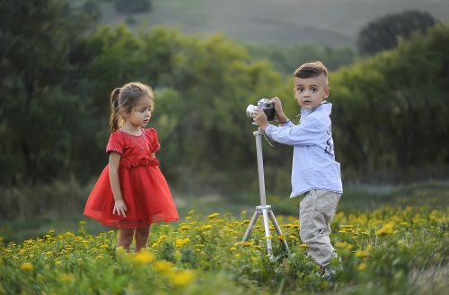 top-5-photography-tips-for-posing-people-who-arent-models-1